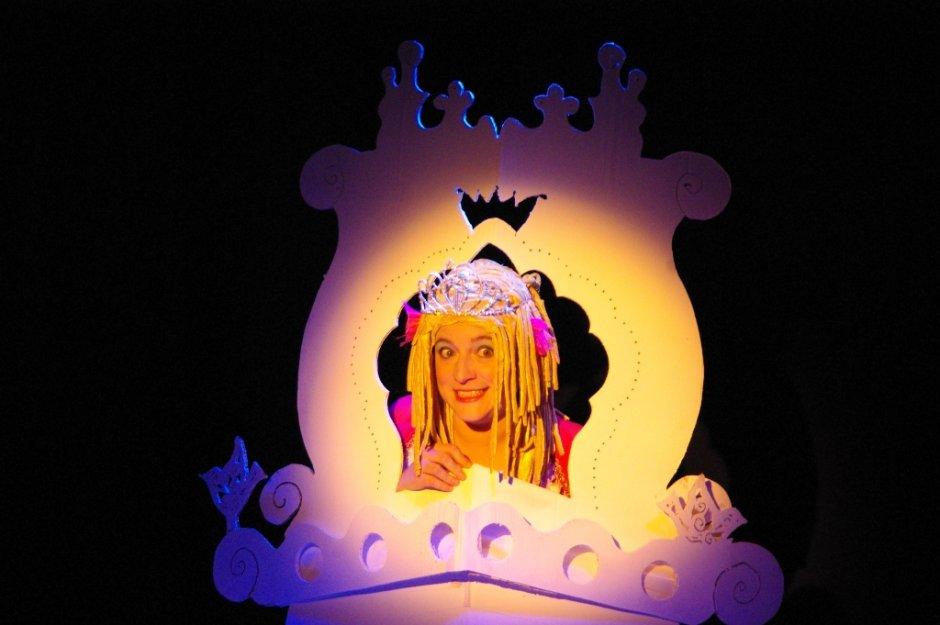 Princesse raiponce compagnie bao - La princesse raiponce ...
